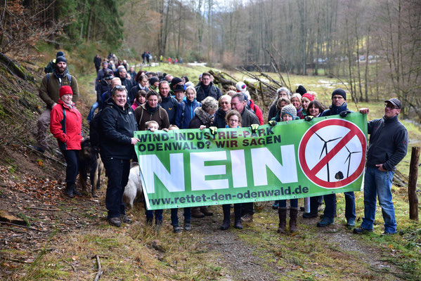 Sternwanderung gegen Windkraftanlagen unter Beteiligung des Vereins Lebenswerter Odenwald Heiligkreuzsteinach e.V.