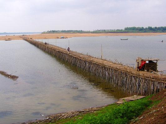 Bambusbrücke nach Koh Paen