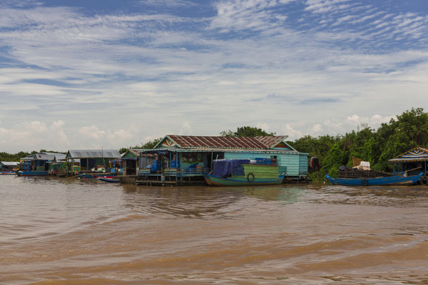 Ein traditionelles Dorf am Tonle Sap See
