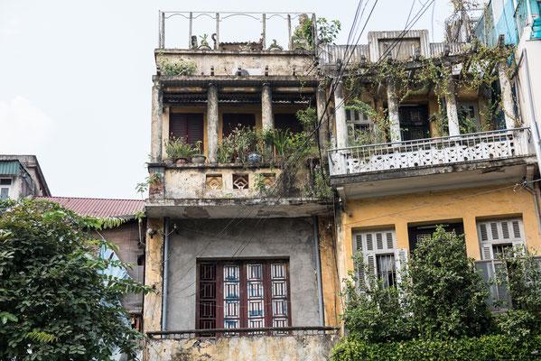 Altes Haus im Kolonialsitl in Takeo City