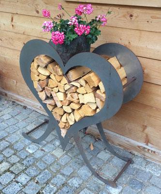 dekoratives Herz mit Holzeinlage