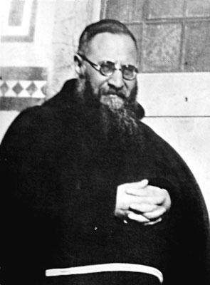 Padre Agostino conobbe il giovane Fra Pio a Serracapriola nell'ottobre 1907, dove insegnava teologia. Gli restò amico per tutta la vita