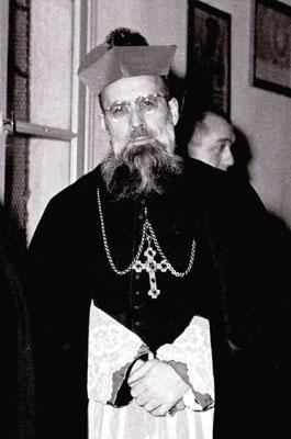Mons. Girolamo Bortignon (1905-1922), vescovo di Padova. Nella sua diocesi proibì i Gruppi di preghiera e perseguitò due sacerdoti devoti del Padre. Coinvolto nell'affare Giuffrè e amico del Papa Buono, ispirò la più grave persecuzione portata al Frate