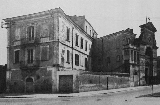 Il convento di S. Anna a Foggia, come appariva ai primi del Novecento. Padre Pio vi dimorò dal 17 febbraio al 3 settembre 1916. Qui egli soffrì terribili tentazioni diaboliche, di cui furono testimoni i suoi confratelli
