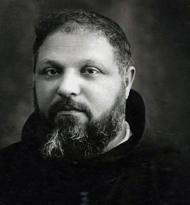 Padre Paolino di Tomaso da Casacalenda (1886-1964). Conobbe Fra Pio a Montefusco nel 1908. Fu artefice del suo trasferimento a San Giovanni Rotondo, dove era superiore; incarico da cui venne sollevato nel 1919. Fu Ministro provinciale dal 1944 al 1950