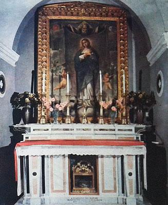 Per un certo periodo di tempo, Padre Pio celebrò la Messa salendo a questo altare