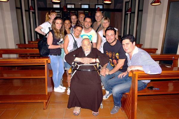 Padre Paolo festeggiato dai giovani di San Giovanni Rotondo, suoi concittadini; ricordiamo che nel 2009 si fece male cadendo. Morì il 17 dicembre 2012