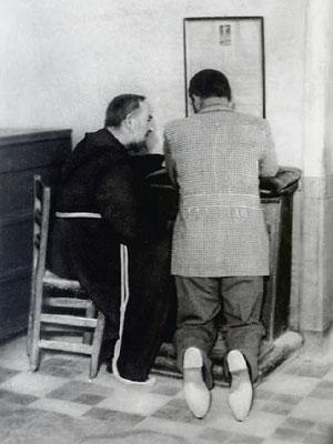 Il Padre adoperava una semplice sedia impagliata
