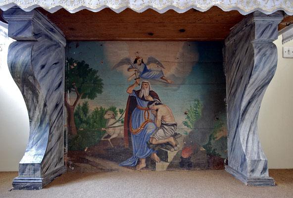 """Sotto la sacra mensa, un """"Sacrificio di Isacco"""" un po' naïf"""