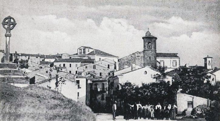Il paese di Sant'Elia a Pianisi dal convento di S. Francesco, agli inizi del Novecento, dove Fra Pio tornò a fine agosto del 1905