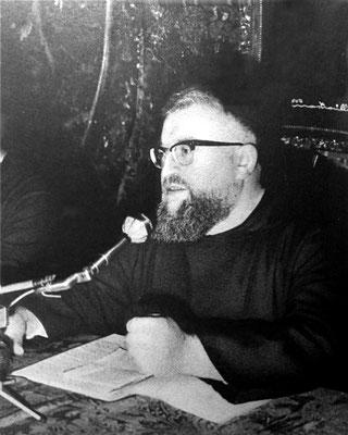 """Padre Fernando Tonello da Riese Pio X (1926-2006). Insistette presso l'Ordine cappuccino per avere l'incarico di redigere questa prima """"biografia ufficiale"""" di Padre Pio"""