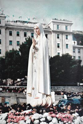 La statua itinerante della Madonna Pellegrina di Fátima arrivò nel convento di S. Giovanni Rotondo la sera del 5 agosto 1959
