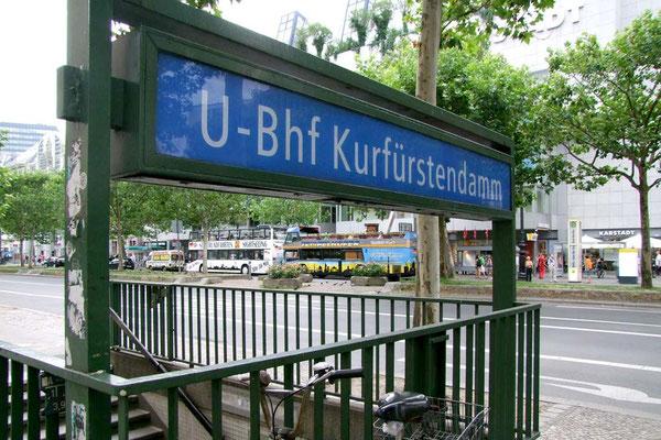 Berlin - Kurfürstendamm U-Bahnhof Eingang ©Jürgen Marquardt /www.free-fotos-berlin.de