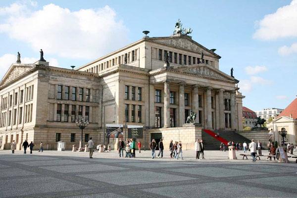 Berlin Gendarmenmarkt - Konzerthaus ©Jürgen Marquardt /www.free-fotos-berlin.de