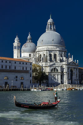 Gondola in front Santa Maria della Salute building