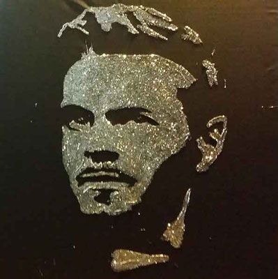 Portrait Glitter Painting du chanteur M Pokora - Arbre de Noël - La Baule - France