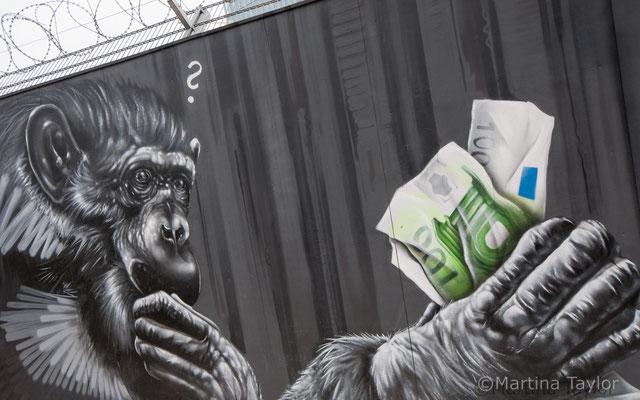 Kunst am Bauzaun der Europäischen Zentralbank