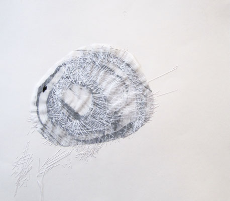 Absonderung, Mischtechnik, Collage, Näherei, 33,6 x 29,5 cm, 2017