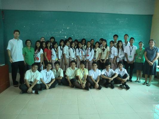 Schließlich konnten im November 2012 weitere 20 Studenten mit einem Stipendium unterstützt werden.