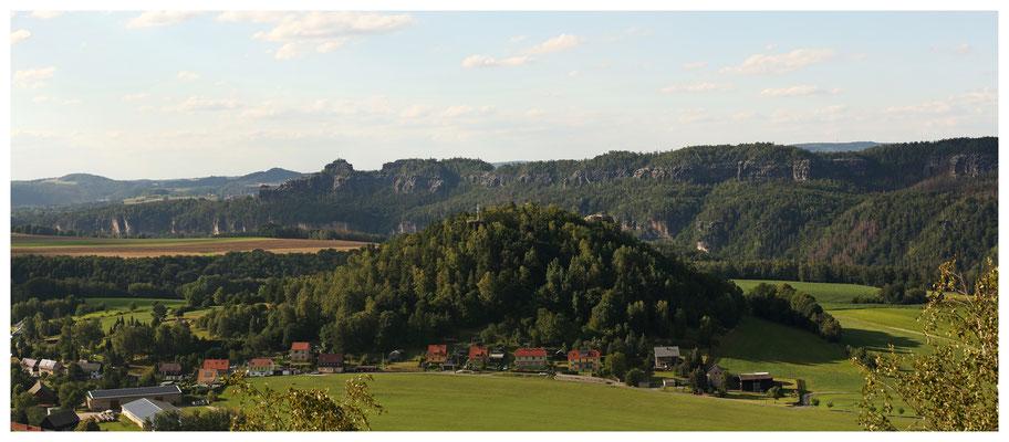 ...und hier über die Kaiserkrone zur Schrammsteinkette...