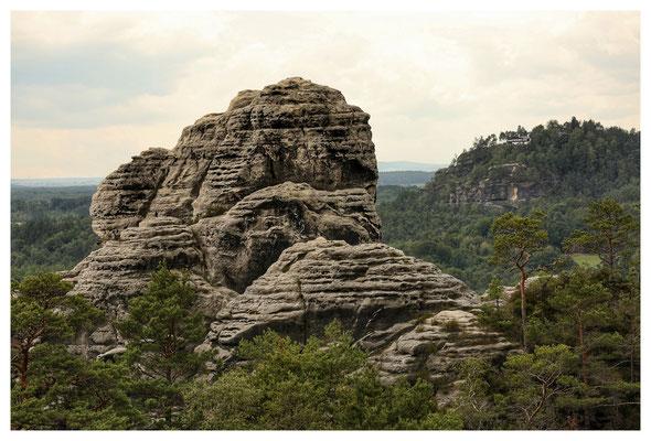 Der westliche Feldkopf mit dem Rauenstein im Hintergrund