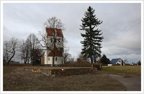 ...und das Dorfkirchlein...