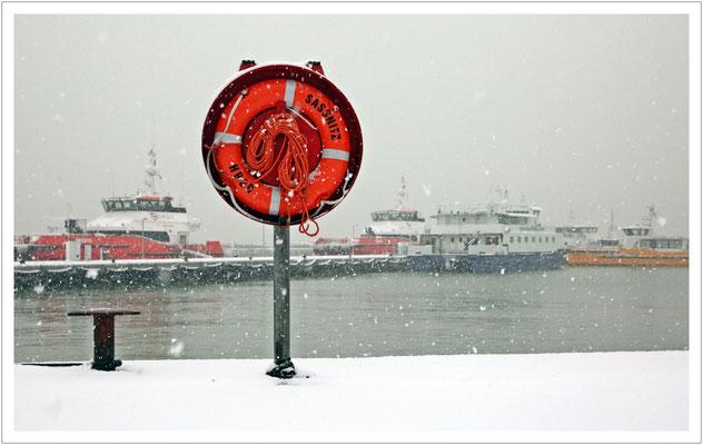 Schneetreiben im Sassnitzer Hafen