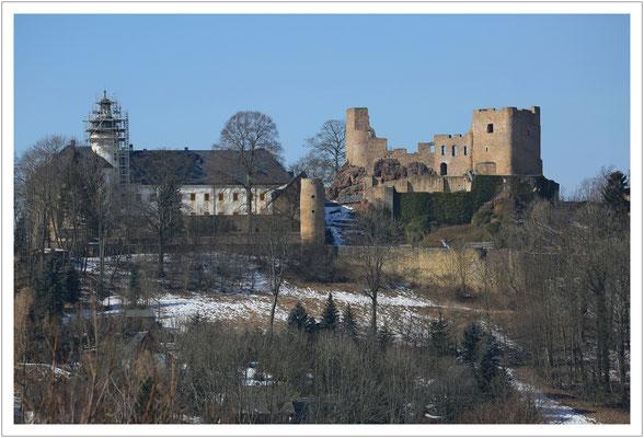...neben der Burgruine steht das Renaissanceschloss.