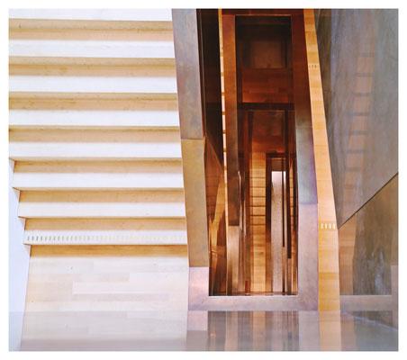 ...bis hin zum Treppenhaus.