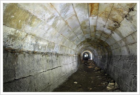 """Sandsteinmauerung im """"Langen Stollen"""""""