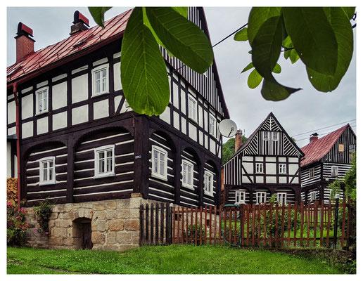 Umgebindehäuser im alten Dorfkern von Hohenleipa