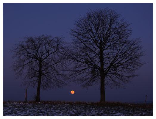 Mondaufgang am Rande des Osterzgebirges