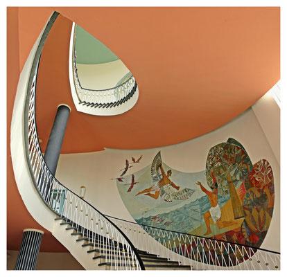 der Traum vom Fliegen - Treppenhaus im ehem. Konstruktionsbüro der Luftfahrtindustrie