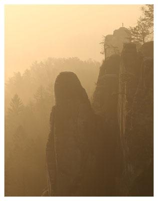 Mönch und Verlorener Turm im Morgendunst