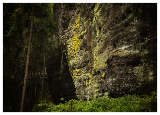 ...Ostseite der Thorwalder Wände...