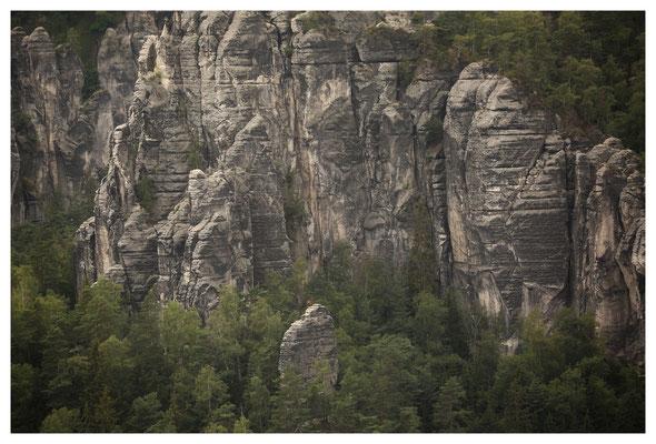 Aussicht an der Lammscheibe auf die Felsen der Großen Gans und die Gansscheibe (mit Bersteigern)...