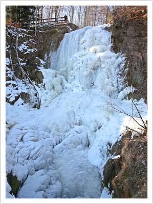 Der Tiefenbach-Wasserfall...