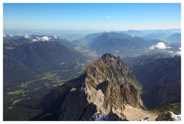 ...und weit über Garmisch ins Loisachtal hinein.