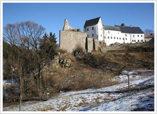 Schloss Lauenstein hoch über dem Müglitztal
