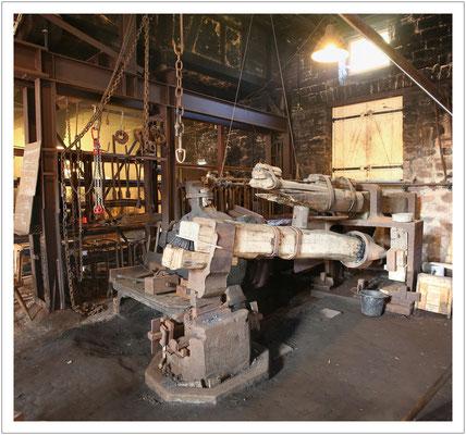 ...gegründet Ende des 18. Jahrhunderts mit vielen Anklängen an erzgebirgische Hammerwerke.