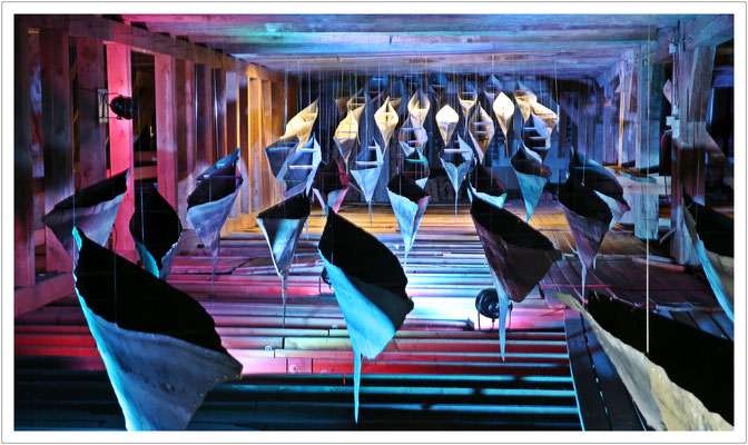 Raum der Sehnsucht - Kunstinstallation im Dachboden