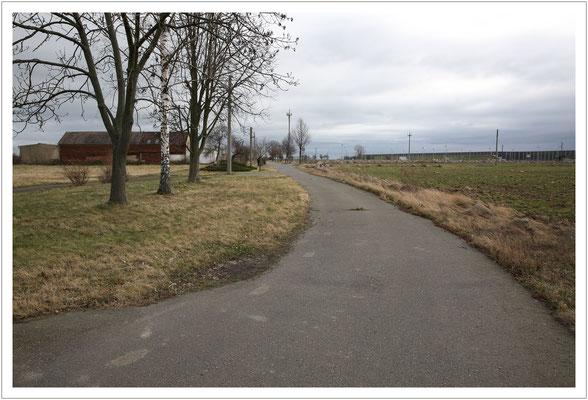 was bleibt: leer Straßen...