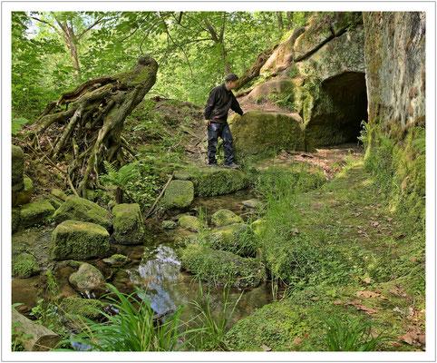 Der Zugang zum Wassertunnel am Schwarzen Wehr...