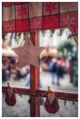 Fensterblick auf dem Striezelmarkt Dresden