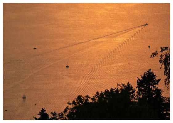 Sonnenuntergang über dem Bodensee (II)