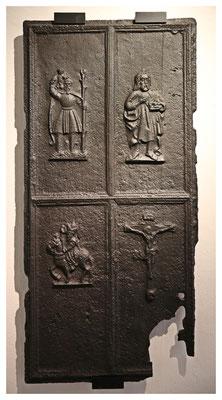 eine der ältesten ihrer Art - gusseiserne Ofenplatte aus Berggießhübel (um 1520)