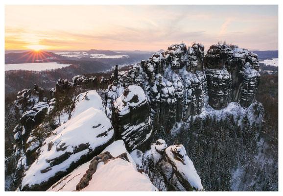 Sonnenuntergang über der vorderen Schrammsteinkette