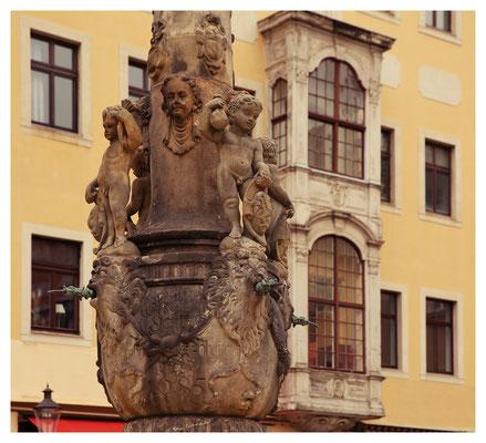 Detail des Rolandbrunnens am Markt