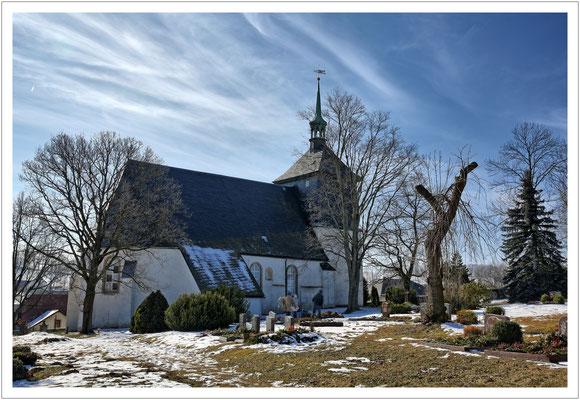 Noch eine Dorfkirche - diesmal in Sadisdorf.