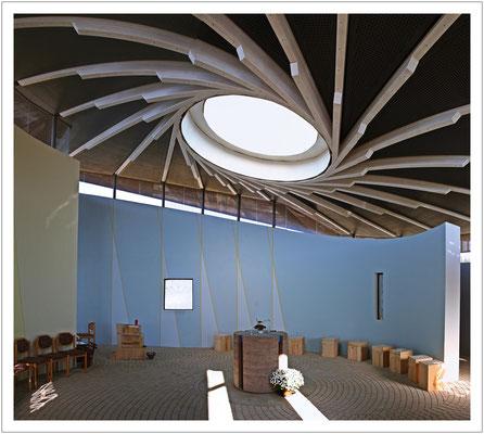 ...die kleine Autobahnkirche in Bibra an der A71...